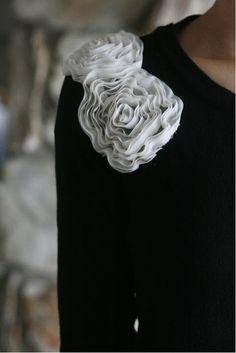 TONS of DIY recycle clothing!! jaynsarah.blogspot.com