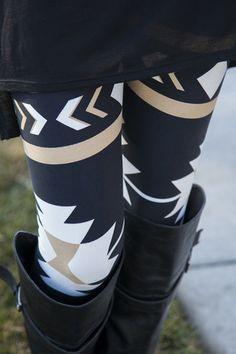 Modern Aztec Leggings | White Plum