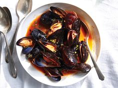 Mussels with White Wine Recipe  at Epicurious.com