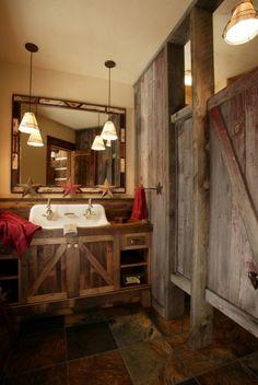 44 Wonderful Rustic Barn Bathroom Design: 44 Wonderful Rustic Barn Bathroom Design With Wooden Wall And Mirror And Washbasin And Chandelier And Wooden Floor Western Bathrooms, Primitive Bathrooms, Rustic Bathrooms, Bathrooms Decor, Rustic Bathroom Designs, Eclectic Bathroom, Bathroom Interior Design, Interior Paint, Kitchen Designs