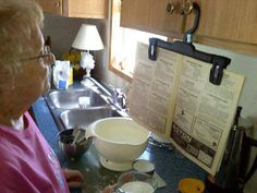 cocinar con revista de recetas