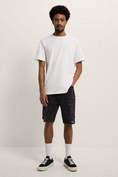 ΒΕΡΜΟΥΔΑ ΝΤΕΝΙΜ LOOSE FIT | ZARA Greece / Ελλαδα Zara United States, Color Negra, Denim Shorts, Mens Fashion, Zip, Fitness, Mens Tops, Loose Fit, Products