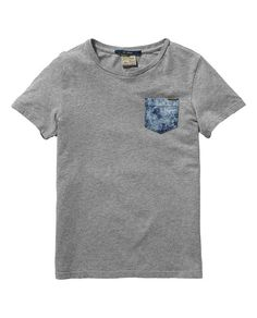 This short sleeve crew neck tee will update your boy's denim look in the wink of an eye.