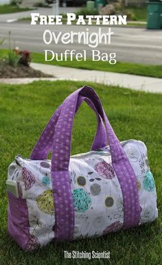 Free Overnight Bag sewing tutorial Here is a simple overnight duffel bag with almost oval sides and pockets accented with wrap around straps. What an easy sew. This bag does not need lining! Download
