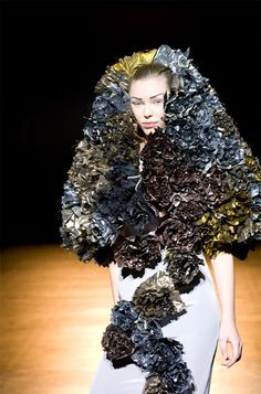 Roksanda Ilincic presented a selection of key pieces from her past three collections in the form of five vignettes, specially created for the V&A Weird Fashion, The V&a, Roksanda, Victoria And Albert Museum, Wearable Art, Ruffles, Fashion Design, Fashion Ideas, Couture
