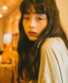 Pin by Shigeki Matsuura on 可愛い in 2020 Pretty People, Beautiful People, Aesthetic People, Foto Instagram, Foto Pose, Grunge Hair, Photo Reference, Portrait Inspiration, Mellow Yellow