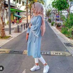 Trendy hijab style 2019 – Just Trendy Girls – Hijab Fashion Islamic Fashion, Muslim Fashion, Modest Fashion, Girl Fashion, Fashion Outfits, Hijab Fashion Inspiration, Hijab Chic, Abaya Fashion, Mode Outfits