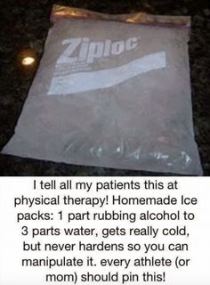 Flu Remedies This home made ice pack can be in your freezer all ready to go for bumps and necks and hardly costs anything. One part rubbing alcohol to three parts water. Gets really cold but never hardens. Just like a real cold pack! Health Remedies, Home Remedies, Natural Remedies, Arthritis Remedies, Arthritis Relief, Flu Remedies, Psoriatic Arthritis, Holistic Remedies, Simple Life Hacks