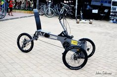 """Our innovative """"Paastel electric tricycle"""" made in Greece by Pantelis Zarkos and Stelios Plakidis, at Athens Bike Festival a few days ago. 4 Wheel Bicycle, Electric Tricycle, Recumbent Bicycle, Reverse Trike, Specialized Bikes, Best Build, Cargo Bike, Mechanical Design, Bike Frame"""