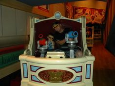 Agreeing with most of these. 11 Things at Walt Disney World: Best Secrets and Tips for a Family Vacation Disney World 2015, Disney 2015, Walt Disney World Vacations, Disney Travel, Disney Nerd, Disney Love, Disney Parks, Disney Disney, Disney Stuff