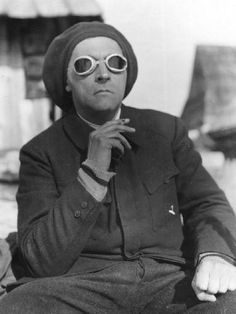 Stanislaw Ignacy Witkiewicz, self-portrait in the Tatras Polish playwright, novelist, painter, photographer and philosopher. Harlem Renaissance, Viria, Free Photography, Portrait Photography, Polish People, Casual Outfits, Cute Outfits, Culture Pop, Ray Ban Sunglasses Outlet