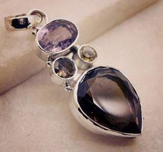 #addicted #studs #floral #nashville #gemstonejewelry #birthdaygift #wirependant #pendant #silver #gemstone #semiprecious #color #multi #handmade #gemstone #jewellery #riyogems #australia #healing #handcrafted