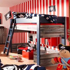 Piratenkamer #kinderkamer inspiratie. Meer kinderkamer inspiratie vind je op http://www.wonenonline.nl/slaapkamers/kinderkamer/