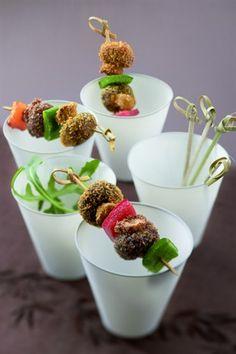 Mini-brochettes de champignons de Paris - Larousse Cuisine