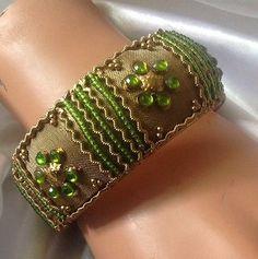 Bangle Bracelet Green Gold Bead Wide-Stone Embellished Fashion Cuff Retro Vtg