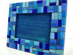 Base MDF, trabalho em mosaico com pastilhas de vidro. <br>(para fotos 10x15)