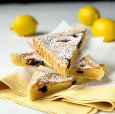 Zitronen-Blaubeeren-Tarte | http://eatsmarter.de/rezepte/zitronen-blaubeeren-tarte