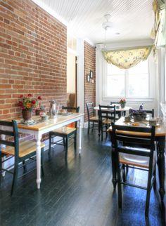 Breakfast Nook inside Church Point Manor in Virginia Beach, VA - http://www.bnbfinder.com/Virginia/Virginia-Beach/Bed-and-Breakfast/Listing/20629/Church_Point_Manor  #BnB #VAB #VA #Nook #Breakfast