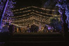 Cena en jardín iluminado con guirnaldas de luces LED Luz Led, Club, Concert, Wedding Night, Garlands, Lights, Tennis, Events, Concerts