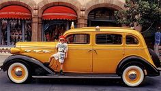 yellow cab usa -  I like to pay homage to the Yellow taxis of the world…