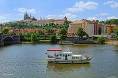Prague : Santa Maria boat trip : View from Dvořákovo nábřeží