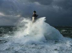 Faro nella tempesta 1