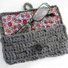 Crochet Eyglasses Case tutorial ~Teresa Restegui~