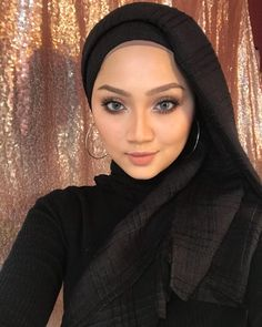 hijaber narsis #komunitashijab Muslim Fashion, Hijab Fashion, Hijab Tutorial, Hijab Outfit, Sexy, Outfits, Style, Women's, Swag