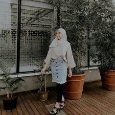 Womens fashion casual chic models 67 New ideas Business Casual Womens Fashion, Modern Hijab Fashion, Hijab Fashion Inspiration, Ulzzang Fashion, Muslim Fashion, Casual Hijab Outfit, Hijab Chic, Ootd Hijab, Korea Fashion