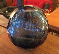 """Vase géométrique en verre attribué: Murano 85$ 6""""H x 6""""D"""