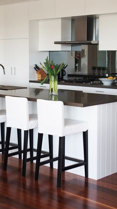 Penthouse Kitchen Project - Toowong, Brisbane Made to measure kitchen cabinets with White satin fini Kitchen Pantry Cabinets, Kitchen Dining, Custom Kitchens, Cool Kitchens, Mirror Splashback, Island Bench, Kitchen Remodel, Kitchen Renovations, Kitchens