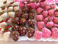 Chocolate covered strawberries for Minnie Mouse sweet table