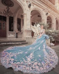 Dreamy Floral Gown (Bella by 凱瑟琳婚紗攝影 Cathering Wedding) Dream Wedding Dresses, Wedding Gowns, Blue Wedding, Beautiful Gowns, Beautiful Outfits, Quinceanera Dresses, Prom Dresses, Fantasy Gowns, Fairytale Dress