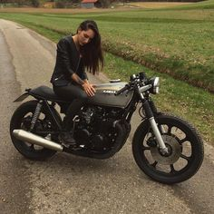 Kawasaki KZ750 #caferacer discover #motomood