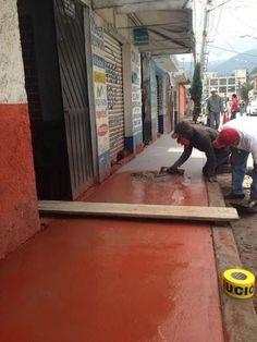 CONTINÚAN CONSTRUCCIÓN Y REHABILITACIÓN DE BANQUETAS EN CUAJIMALPA