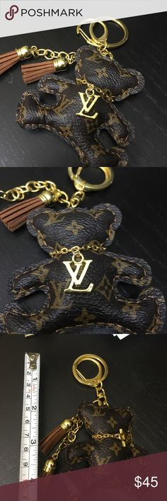 LV keychain key ring bear brown New LV bear keychain in the shape of a bear! Super cute! Not real leather Louis Vuitton Accessories Key & Card Holders