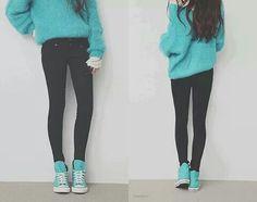 Big sweaters, skinny jeans, and high top converse ! Neeeeeed