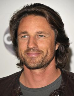 Martin Henderson  from Off the Map