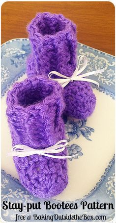 #BakingOutsidetheBox | Free n Easy newborn crocheted baby bootees pattern. http://bakingoutsidethebox.com