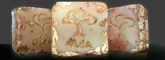 Handmade olive oil soap covered with leafs of 22K gold.  Σαπούνι θησαυρός 22K