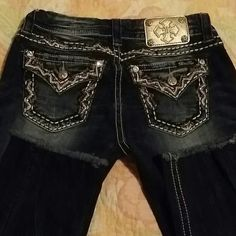 Miss me size 27 Inseam 24 1/2.. color MK 220. Welcome anyone to make offer. .Thank you. Miss Me Jeans Straight Leg