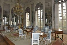 Present-day view of the salon of Madame Mère in the Grand Trianon, Versailles, châteaux de Versailles et de Trianon © EPV/ Christian Milet