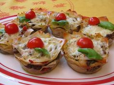Lasagna Cupcakes - cute party food!  #partyfood #appetizers