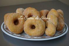 DONAS ESPONJOSAS CON AZUCAR - La Cocina de Norma Oreo Cupcakes, Pan Dulce, Doughnut, Donuts, Cake Recipes, Appetizers, Food And Drink, Make It Yourself, Desserts