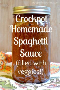 Amazing crockpot spaghetti sauce and it's FULL of hidden veggies! Your little ones will have no idea how GOOD this is for them! Crock Pot Slow Cooker, Crock Pot Cooking, Slow Cooker Recipes, Crockpot Recipes, Healthy Recipes, Healthy Kids, Pasta Recipes, Homemade Spaghetti Sauce, Homemade Sauce