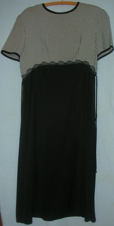 Vintage Whirlaway Frocks Brand Black and White Dress Size 16P #teamsellit