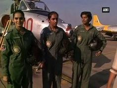 PM Modi lauds India's first batch of women fighter pilots Indian Air Force, India First, Defence Force, Female Soldier, Fighter Pilot, Indian Army, Real Hero, Special Forces, Military Aircraft