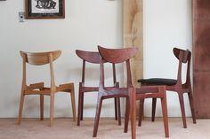 後ろにある板がこうなるなんて椅子は宇宙なんじゃないかと思うわけですよ。  Chair is the universe.