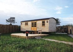 Tiny House Living, Cozy House, Shepherds Hut For Sale, Weekend House, Garden Buildings, The Shepherd, Shipping Container Homes, Cabin Homes, Kit Homes