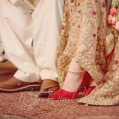 Asian Wedding Dress Pakistani, Wedding Dresses For Girls, Little Girl Dresses, Pakistani Dresses, Stylish Girl Images, Stylish Girl Pic, Cute Girl Face, Bridal Dress Design, Bridal Photoshoot